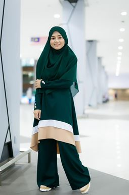BLOUSE NAURA - EMERALD GREEN