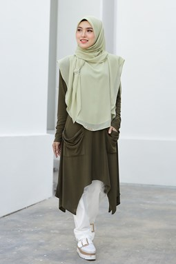 CATHERINE IRONLESS BLOUSE IN OLIVE GREEN