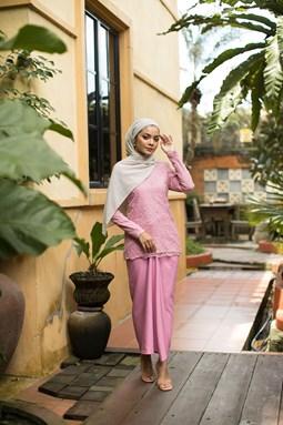 Salmah Kurung (Light Pink)