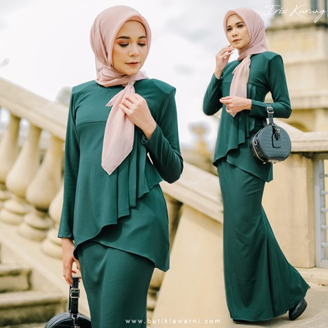 IRIS KURUNG EMERALD GREEN