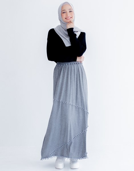 MARY POM POM SKIRT IN GREY