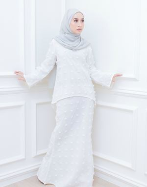 GIA MODERN KURUNG IN OFF WHITE