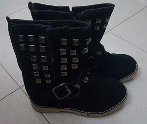 @  BLACK BOOTS