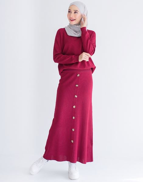 TENEE KNITTED SKIRT IN MAROON