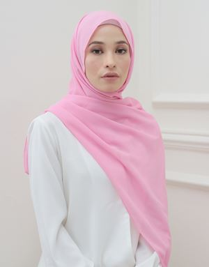 BASIC SCARF IN BARBIE PINK
