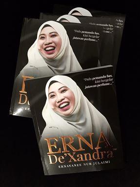 ERNA DE'XANDRA - BOOKS