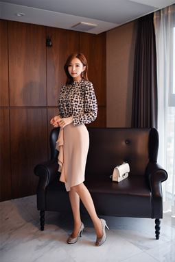 Two-piece Fashion Printing Slim Lotus Leaf + Skirt