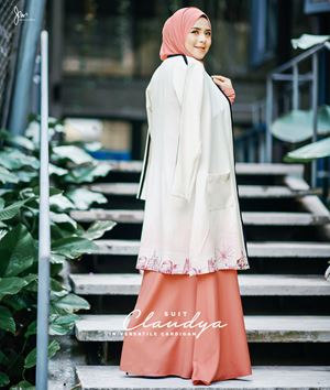 CLAUDYA SUIT IN VERSATILE CARDIGAN 02 (CARROT PEACH)